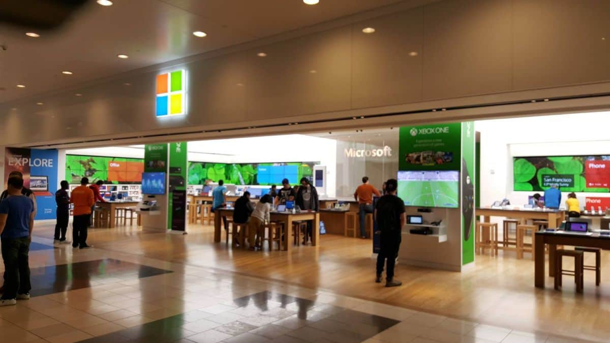 Microsoft Authorised Reseller Store To Open In KLCC  aefaef7f766